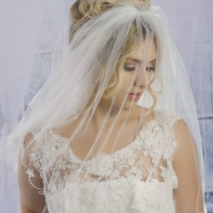 Eva Ivory Wedding Veils