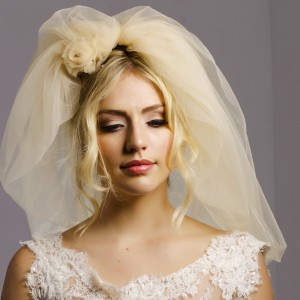 Lucy Bubble Wedding Veils