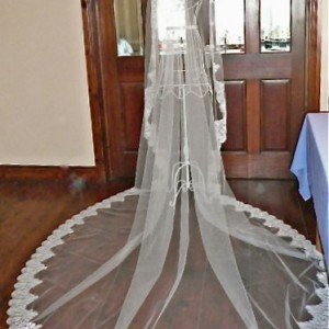 Sariat Lace Mantilla Wedding Veil