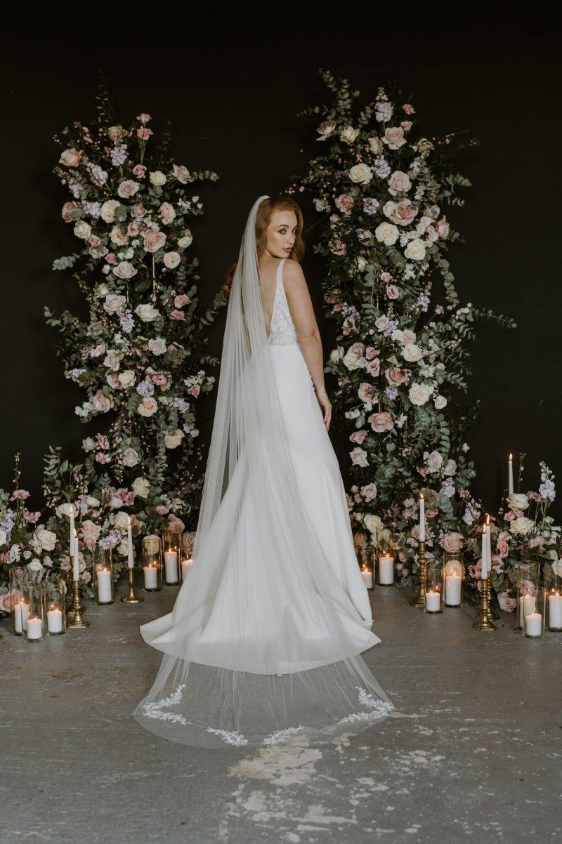 Model wear beaded leaf motif wedding veil