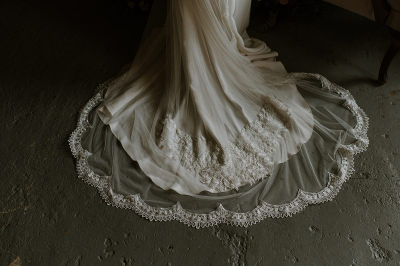 lace wedding veil,ivory scalloped and central motif detail