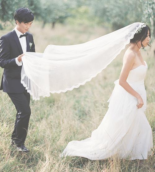 Lace mantilla veil worn by Visionary veils bride New Zealand