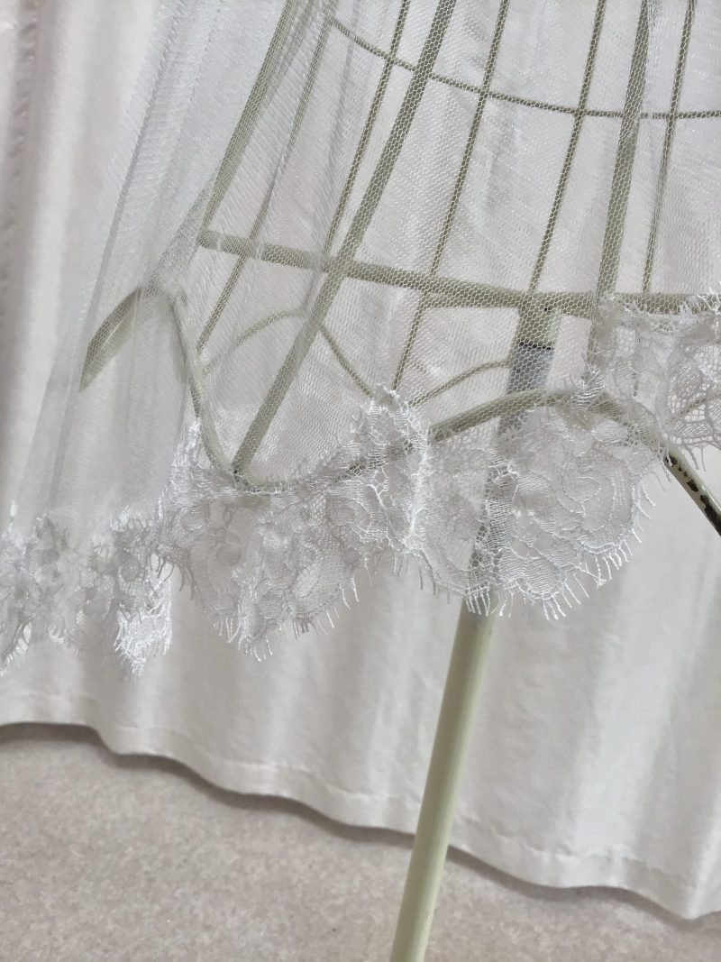 Silk tulle wedding veil, with lace edging