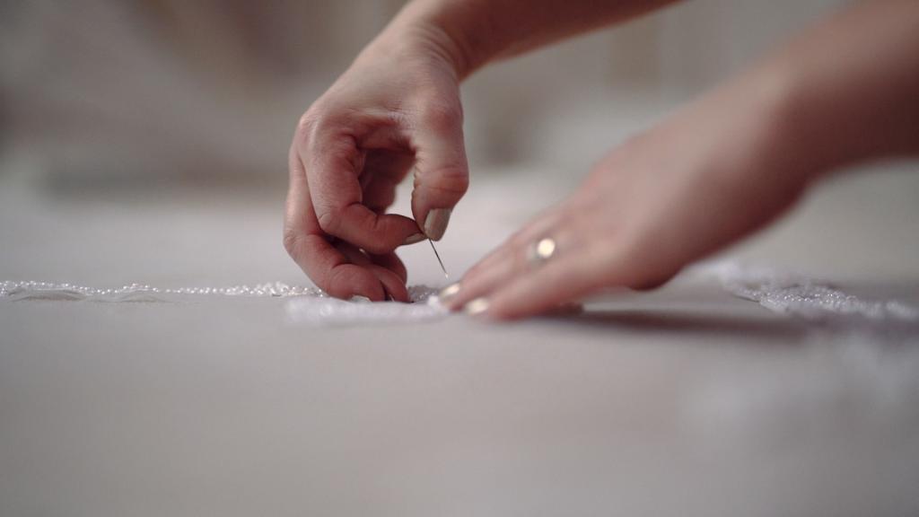 Wedding veil designer, pining a wedding veil design